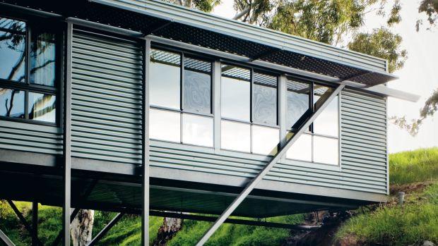 Max Pritchard's Bridge House, Australia by Sam Noonan