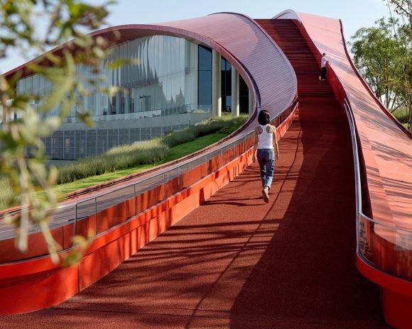 powerhouse company completes undulating 'loop of wisdom' in chengdu, china