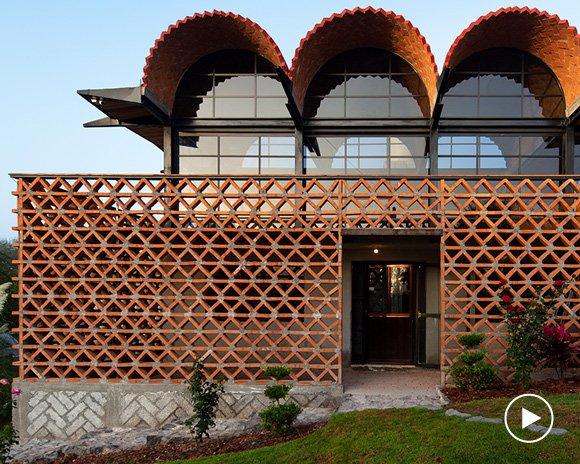 aldana sánchez architects completes brick multimedia center in rural mexico
